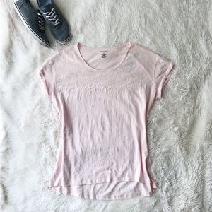 NWT Sonoma pale pink tee shirt with lace detail